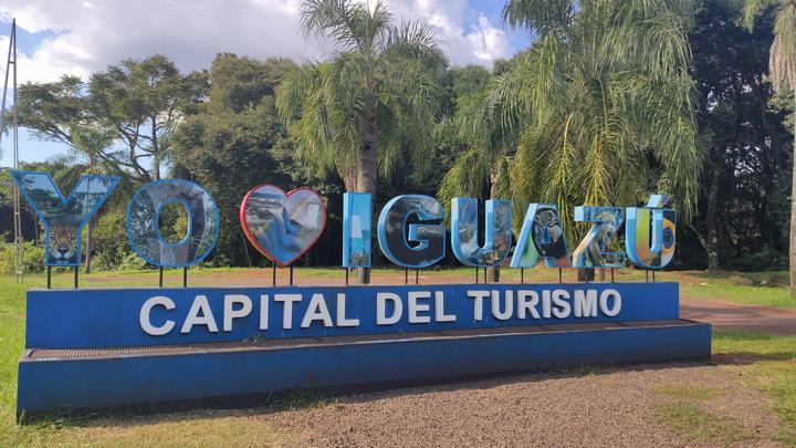 Entrada a Puerto Iguazú